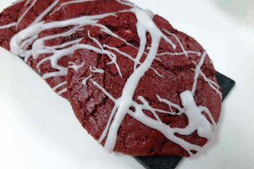 Cheese-Stuffed Red Velvet Cookie